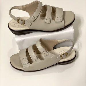 SAS Ladies Sandals Shoes 8